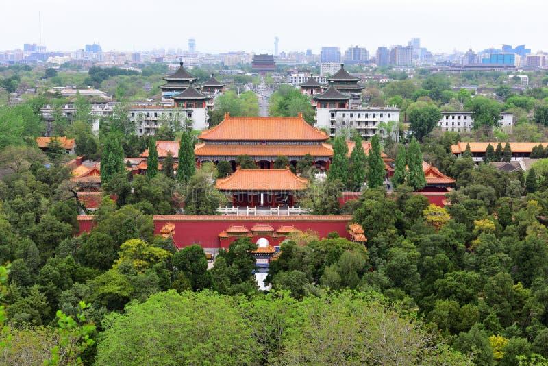 Korridoren av den imperialistiska livslängden på norden av Peking Jingshan parkerar i Kina arkivbild