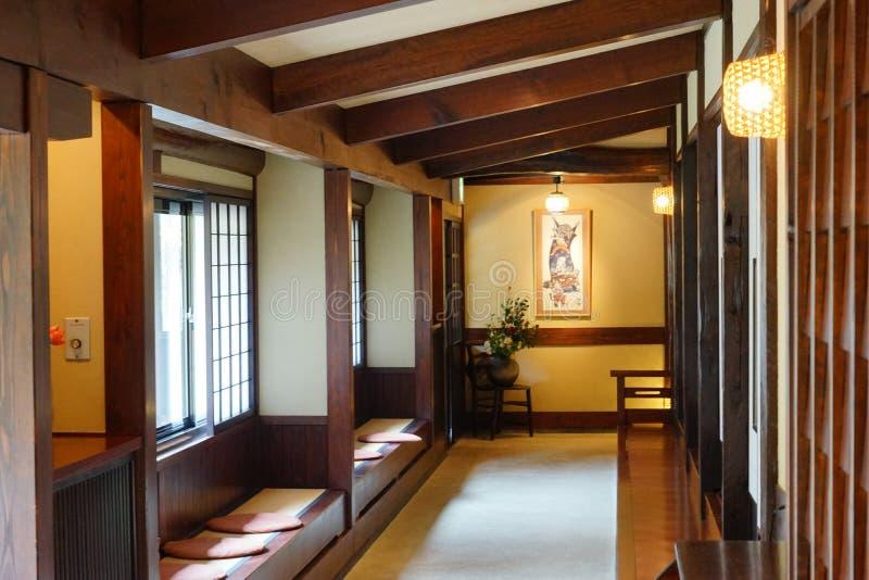 Korridoren av en Japan Ryokan royaltyfria bilder