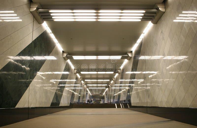 korridorgångtunnel royaltyfri fotografi