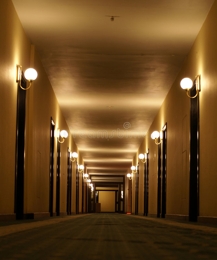 korridorhotellperspektiv royaltyfri bild