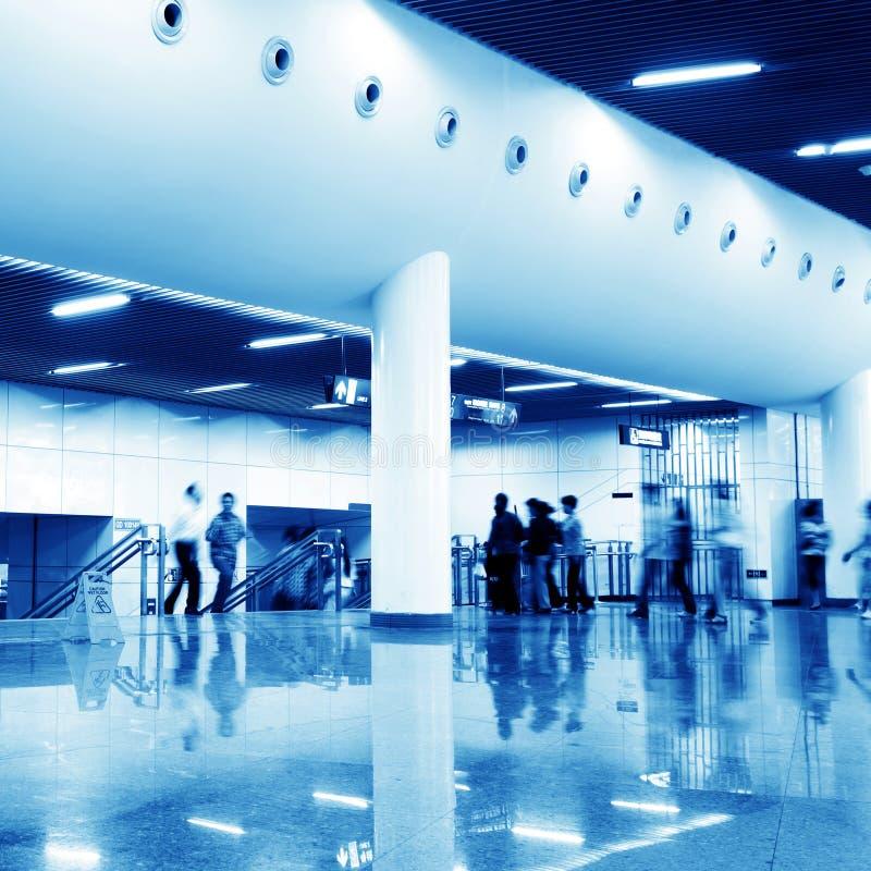 korridorstationsgångtunnel fotografering för bildbyråer