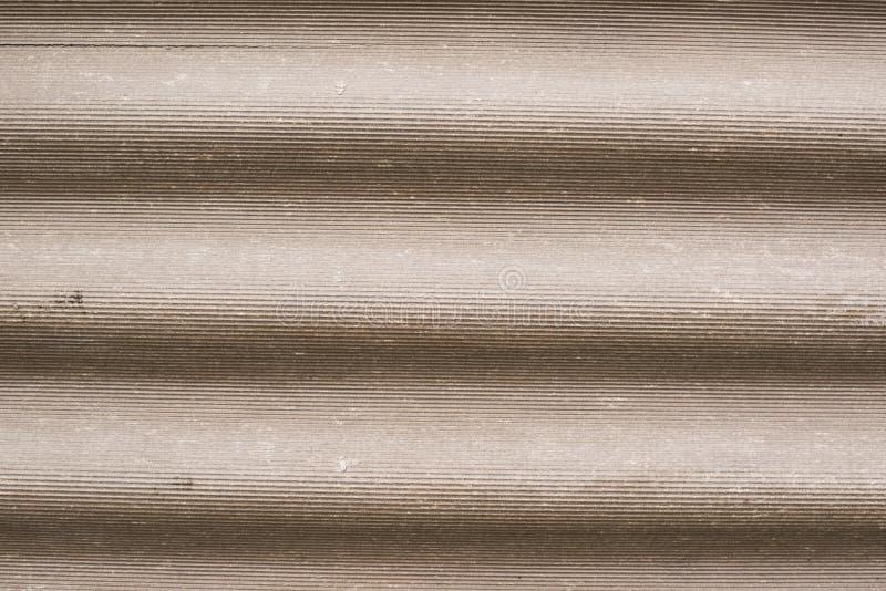 Korrugerad asbest cementerar taklägger royaltyfria foton