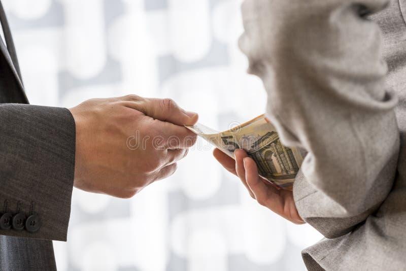 Korruption- och bestickningbegrepp royaltyfri fotografi