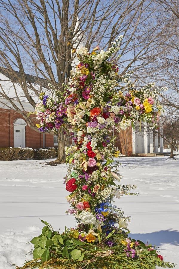 Kors av blommor royaltyfri bild
