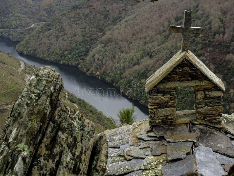 Kors av eremitboningen av San Mauro royaltyfri foto