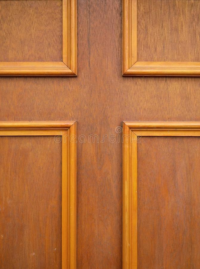 korsa dörrpanelen royaltyfri foto