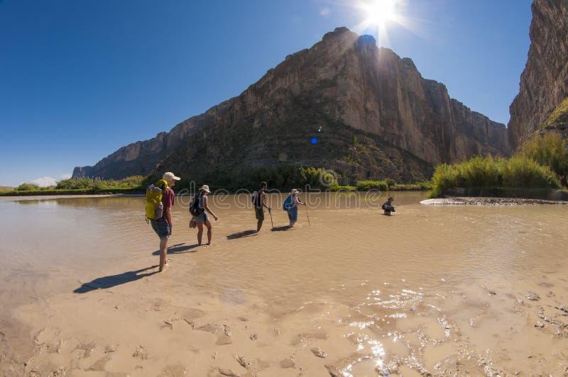 Korsa Rio Grande River royaltyfri fotografi
