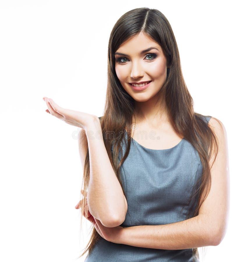 Korsade armar för affärskvinna royaltyfri foto