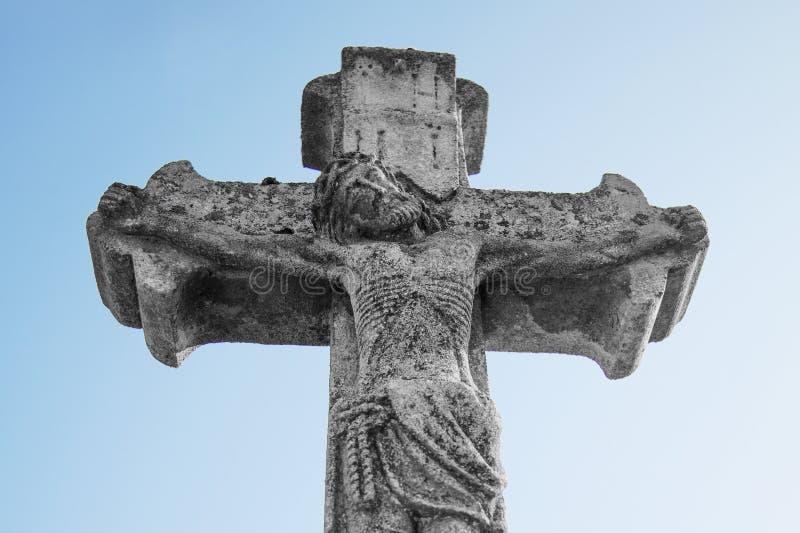 Korsfästelse av Jesus Christ som ett symbol av uppståndelsen och immoen royaltyfri foto