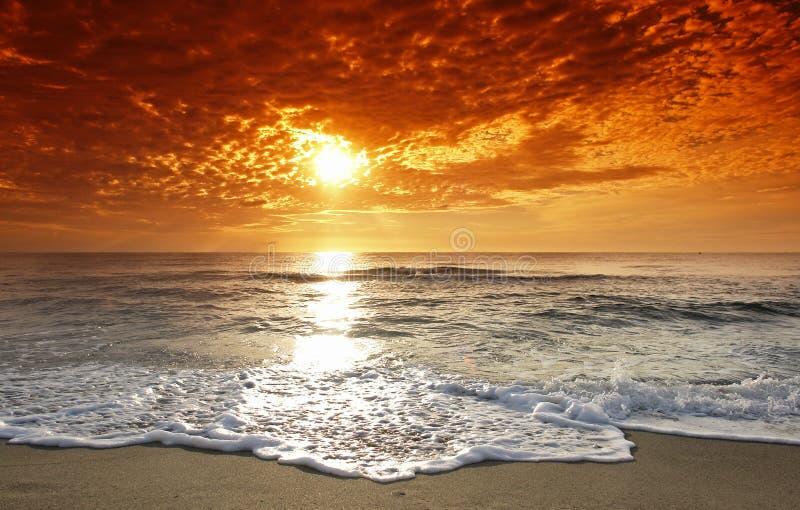 Korsika-Sonnenuntergang lizenzfreie stockfotografie