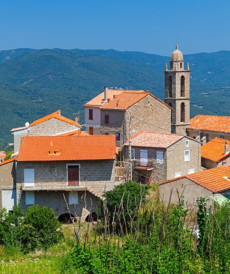 Korsikanskt bylandskap, Petreto-Bicchisano royaltyfria foton