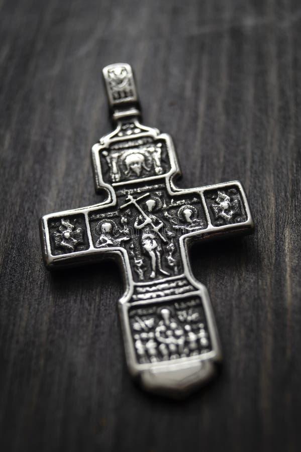 Korsledare på träbordet royaltyfri fotografi