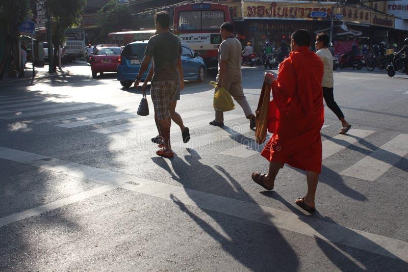 Korsning väg Thailand royaltyfria foton