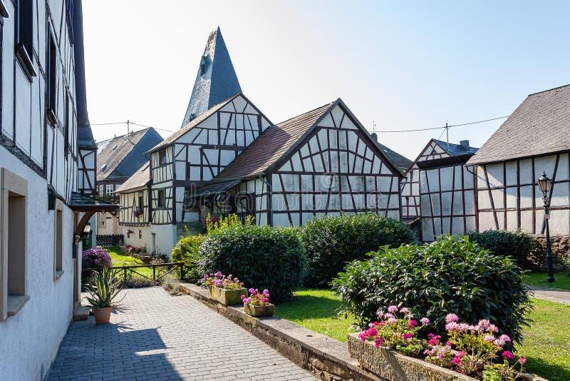 Korsvirkes- hus i Herrstein, längs den Moselle floden, Tyskland royaltyfri fotografi