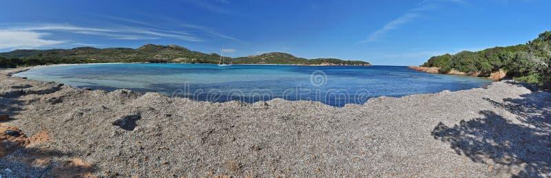 Korsykanin plaża blisko Punta Di Colombara w wiośnie obrazy royalty free