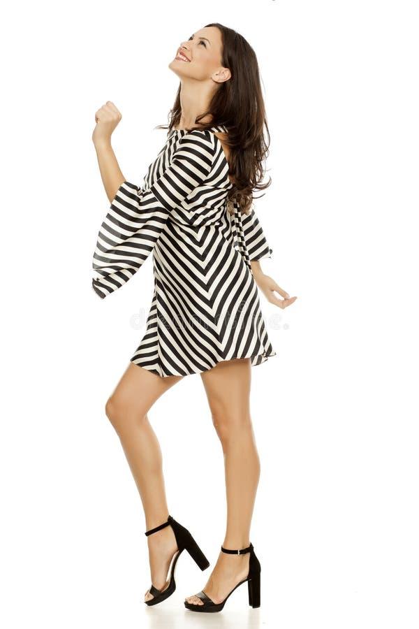 kort kvinna för klänning royaltyfria foton