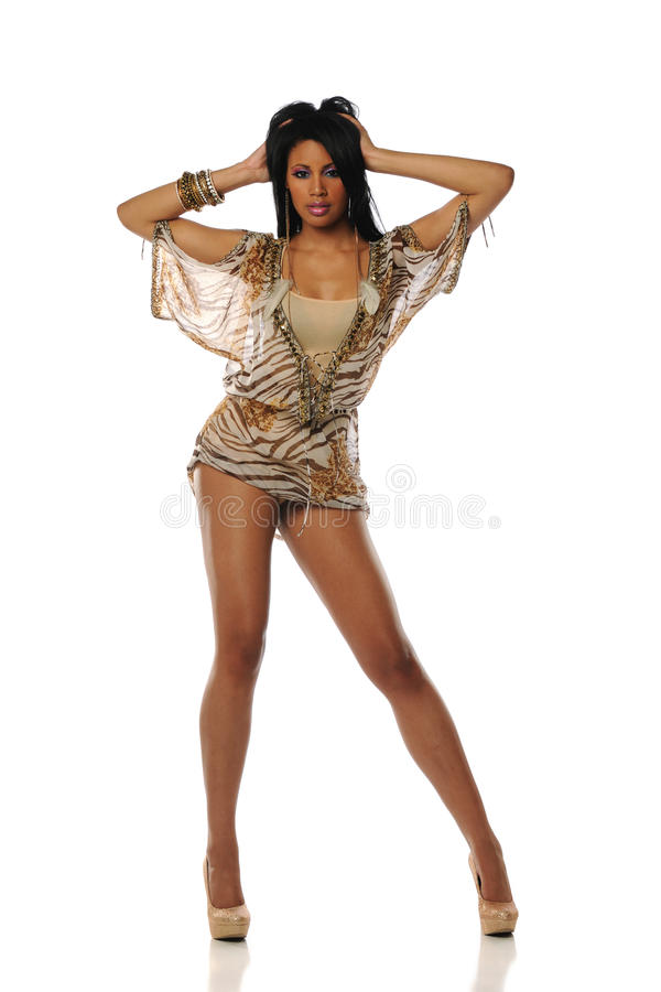 kort slitage kvinna för svart klänning arkivfoto