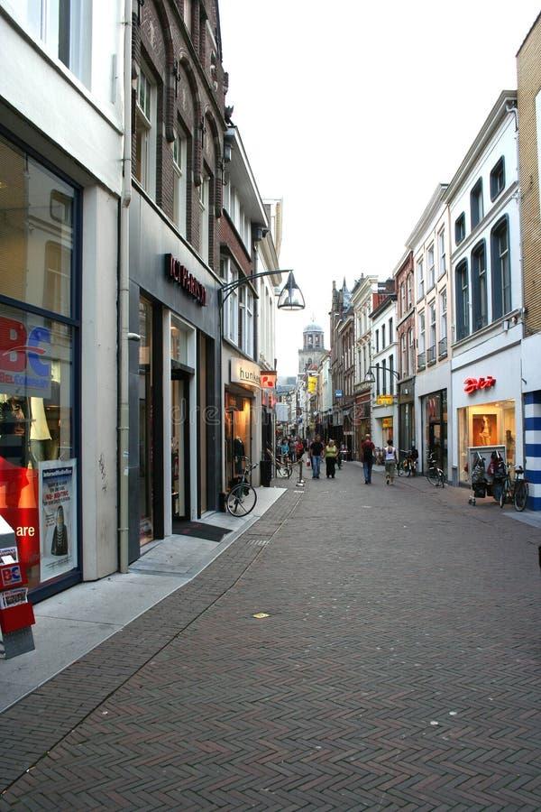 Korte Bisschopsstraat é uma rua da compra imagens de stock royalty free