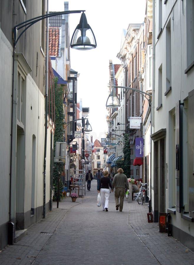 Korte Bisschopsstraat é uma rua da compra fotografia de stock royalty free