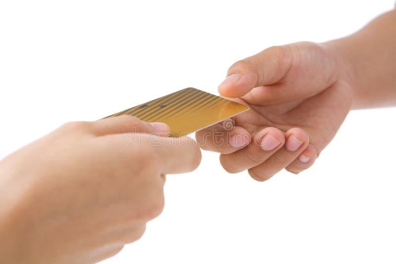 kortkrediteringsguld som betalar genom att använda fotografering för bildbyråer
