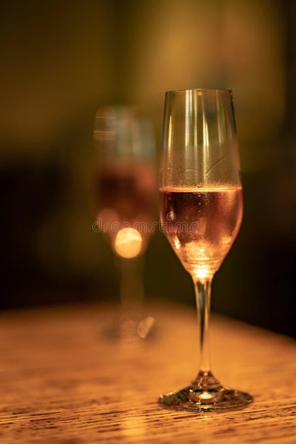 kortslutning för exponeringsglas för champagnedjupfält royaltyfri foto