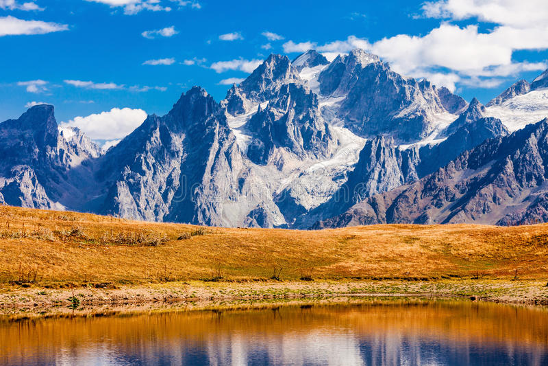 Koruldi湖, Svaneti 免版税库存图片