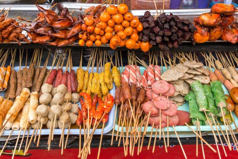 Korv, köttprodukter och köttbollar royaltyfri foto