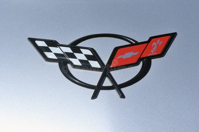 Korwety Chevrolet logo w zakończeniu zdjęcie stock