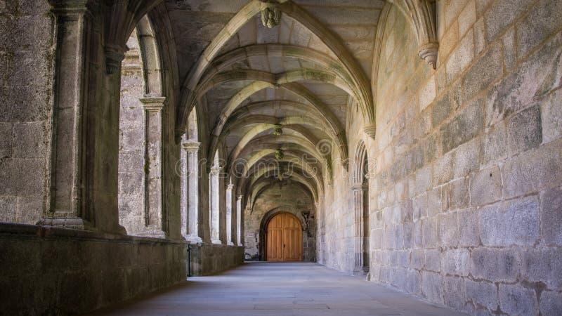 Korytarz klasztoru Armenteira w Galicji, Hiszpania obraz royalty free