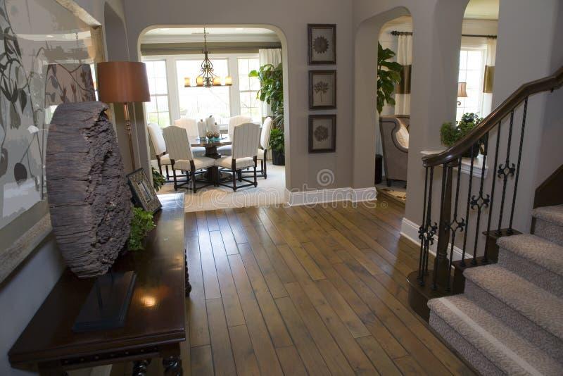 korytarz luksusu w domu zdjęcia royalty free