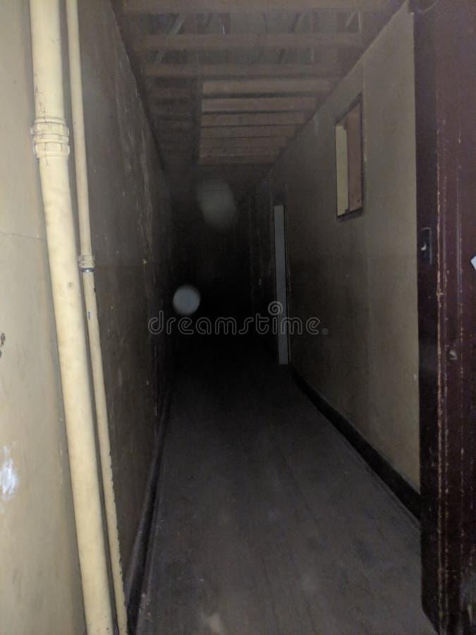 korytarz nawiedzający zdjęcia stock