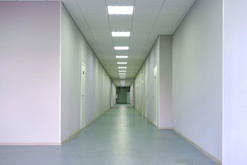 Korytarz szpitalny Miejsce oczekiwania w korytarzu szpitalnym zdjęcia royalty free