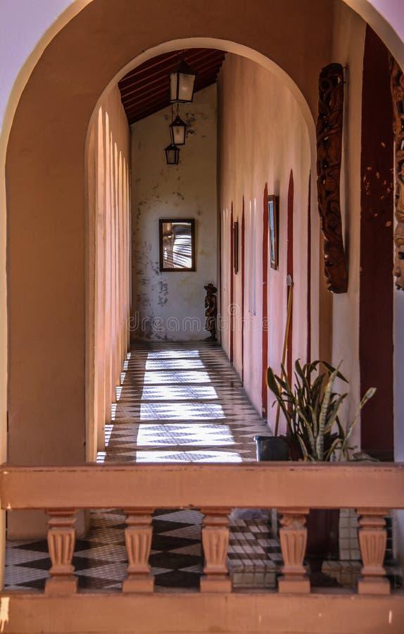 Korytarz w Roi Du Christophe Hotel w nakrętce Haitien, Haiti zdjęcie stock