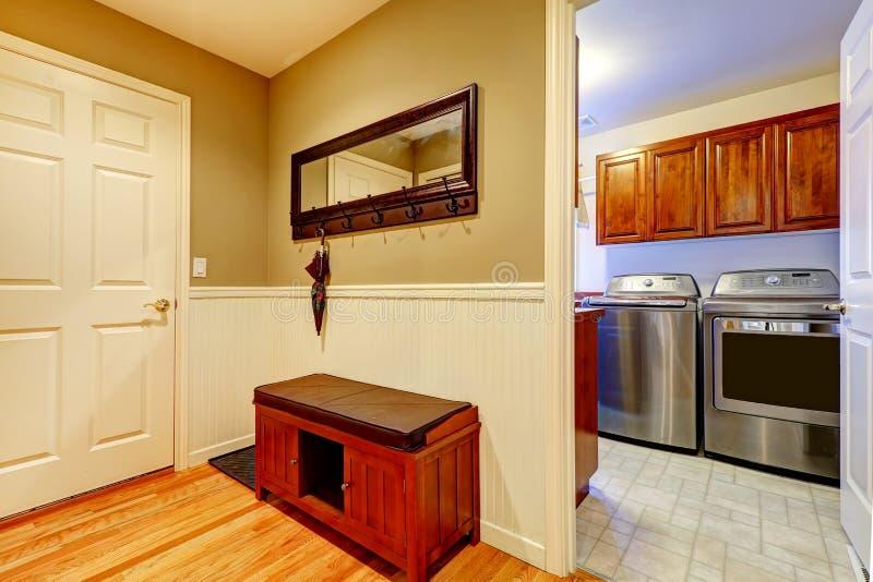 Korytarza i pralni wnętrze zdjęcia stock