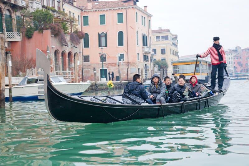 korytkowy gondoliero uroczysty target2096_1_ Venice zdjęcie stock