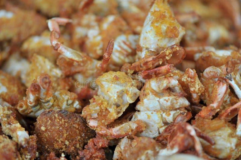 Korzenni smażący kraby zawijający w pszenicznej mące zdjęcie stock