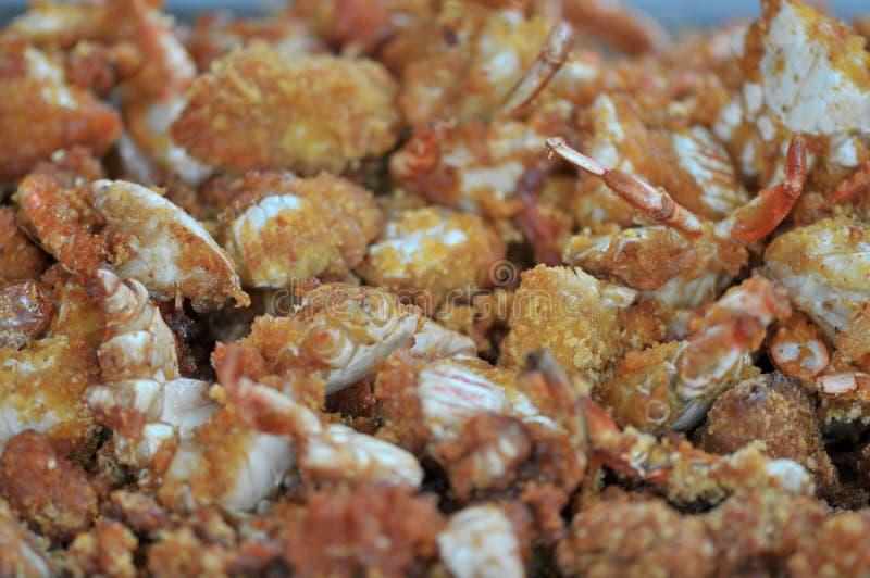 Korzenni smażący kraby zawijający w pszenicznej mące obraz royalty free