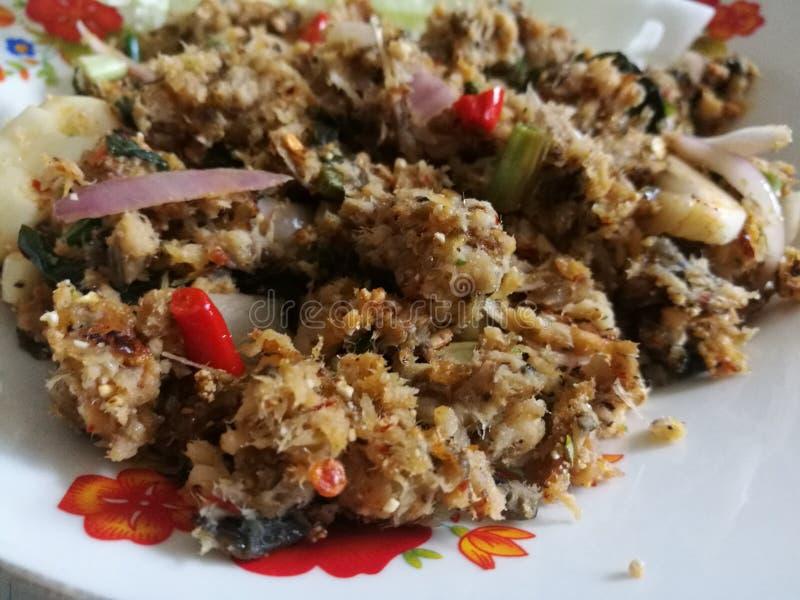 Korzenny minced sum: Podołek Praduk hai naczynie, suchy minced czerwony chili, dokąd sum jest minced, gotującym i rybim kumberlan obraz stock