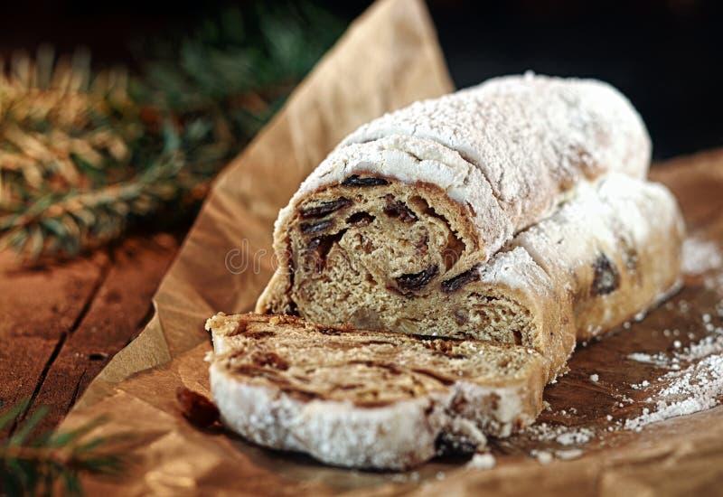 Korzenny słodki Bożenarodzeniowy chleb fotografia royalty free