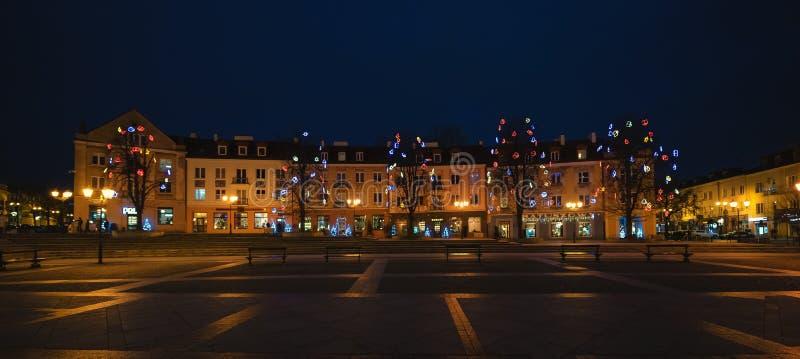 Kosciusko Marktplatz in der Nacht, Weihnachtszeit, Bia?ystok, Polen lizenzfreie stockfotos