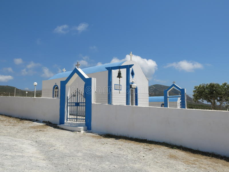 Koseiland, blauwe en witte kerk stock foto's