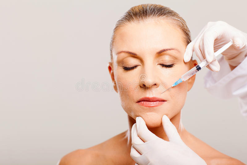 Kosmetische Einspritzung reif lizenzfreies stockbild