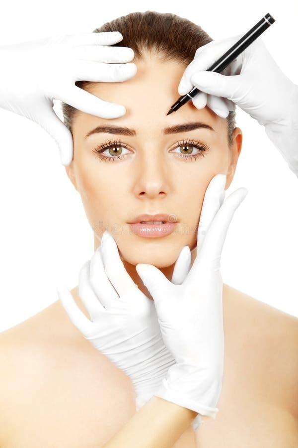 Kosmetische geneeskunde. Peparing voor plastische chirurgie stock afbeelding