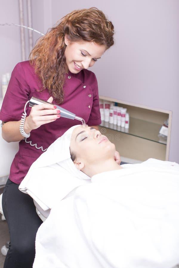 kosmetisk behandling arkivbilder