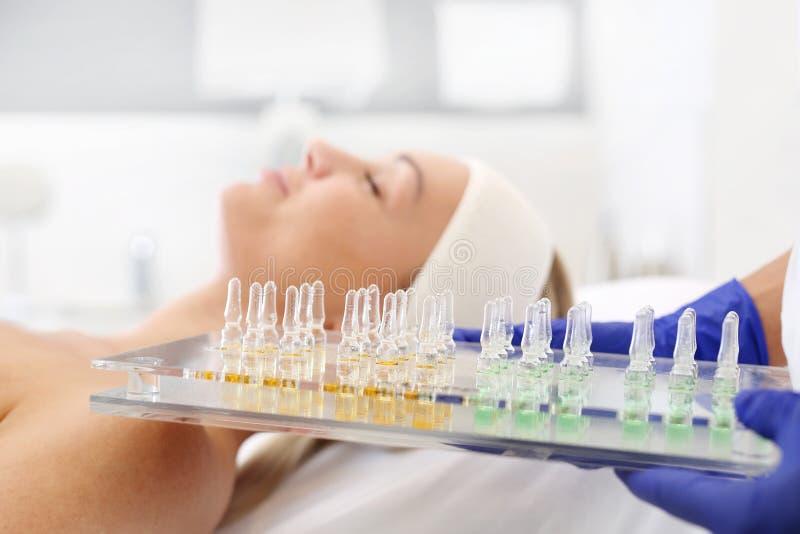 Kosmetiska ampuller royaltyfri foto