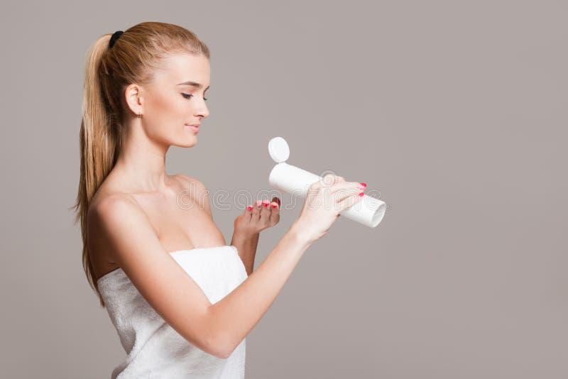 Kosmetyczna opieka dla twój skóry zdjęcia stock