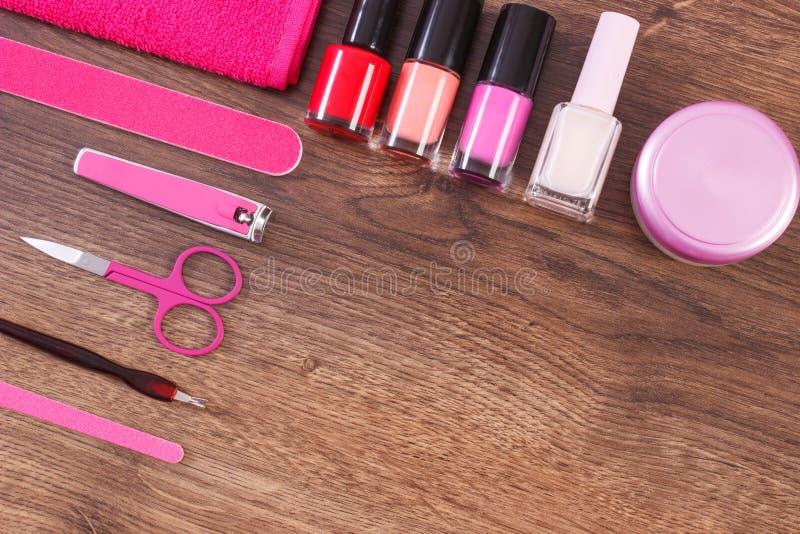 Kosmetyki i akcesoria dla manicure'u lub pedicure'u, pojęcie gwóźdź opieka, kopii przestrzeń dla teksta obrazy stock