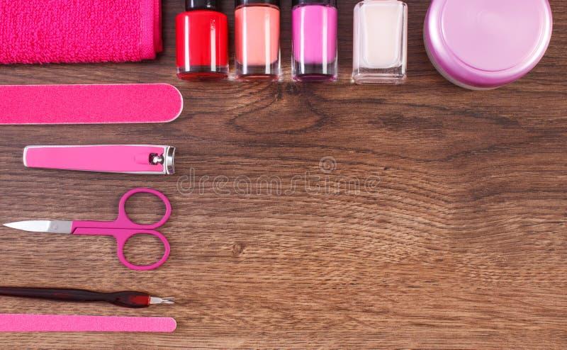 Kosmetyki i akcesoria dla manicure'u lub pedicure'u, pojęcie gwóźdź opieka, kopii przestrzeń dla teksta zdjęcia stock