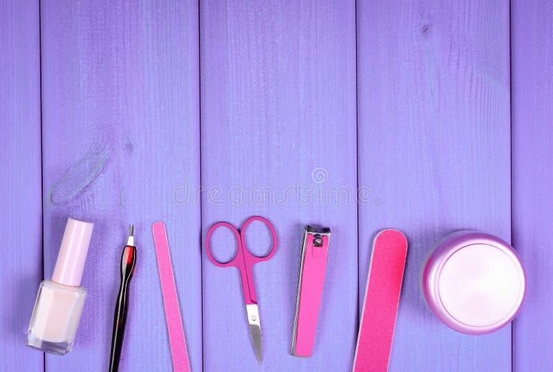 Kosmetyki i akcesoria dla manicure'u, pedicure, pojęcie stopa, ręka lub gwóźdź, dbają, kopiują, przestrzeń dla teksta zdjęcia royalty free