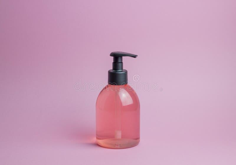 Kosmetyki na r??owym tle minimalista Skincare fotografia stock